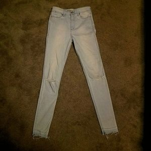 Abercombie and Fitch Light Wash Skinny Jeans